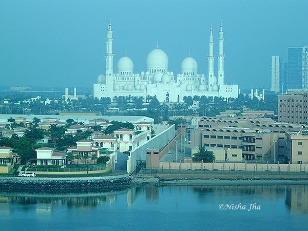 abu dhabi Sheikh Zayed Grand Mosque @lemonicks.com