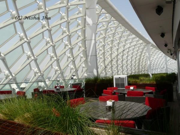 top 8 Interesting buildings of Abu Dhabi abu dhabi yas hotel building @lemonicks.com