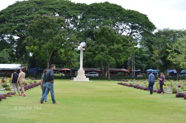 Kanchanaburi War Cemetery @lemonicks.com