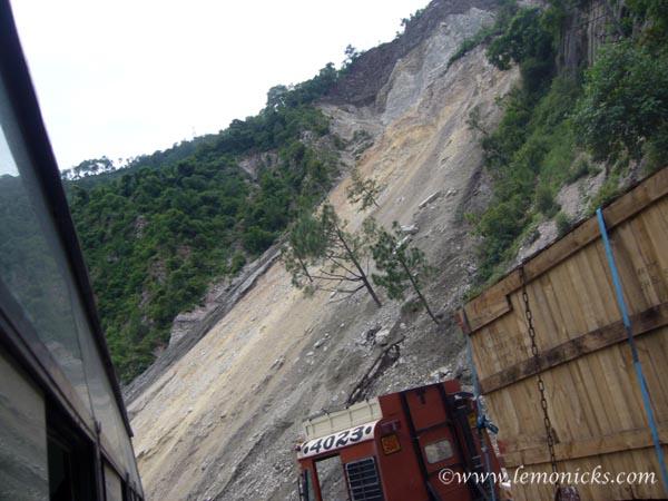 landslide in rudraprayag @lemonicks.com