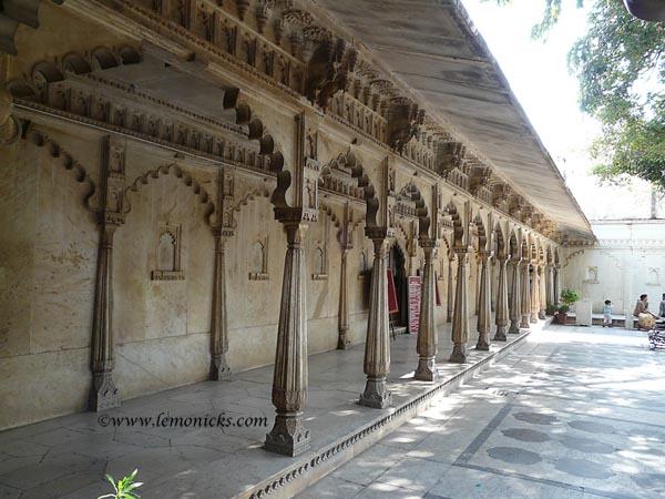 udaipur palace @lemonicks.com