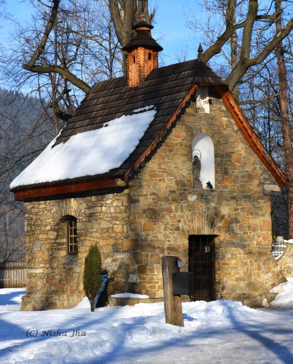 zakopane old stone chapel @lemonicks.com