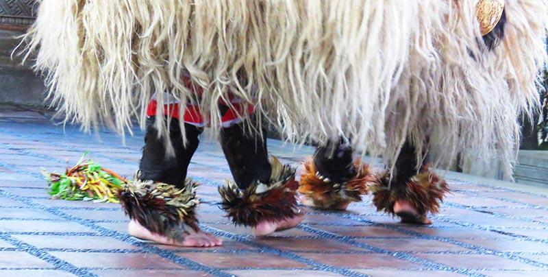 feet of barong