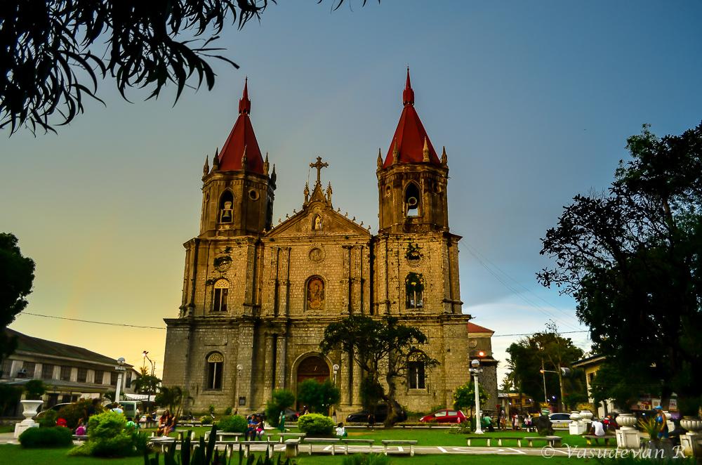 What to do Iloilo city, Western Visayas, Molo Church, Places to visit in iloilo,