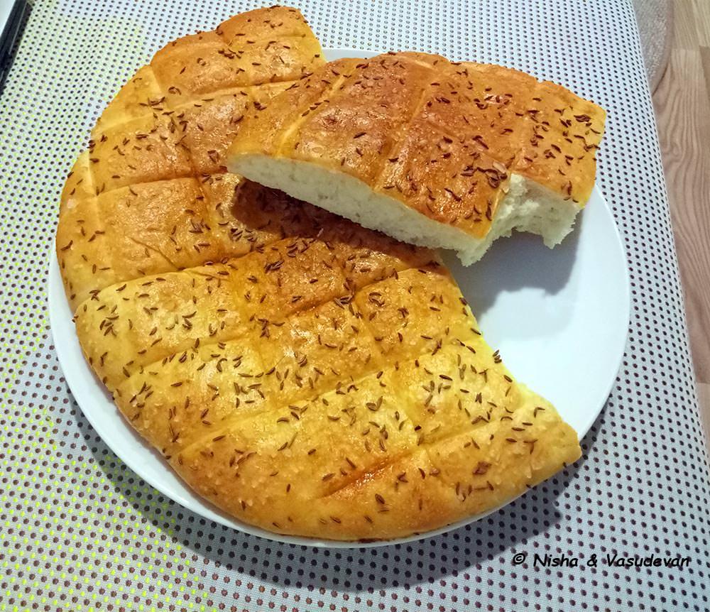 Belokranjska Pogača Slovenia traditional bread @www.lemonicks.com