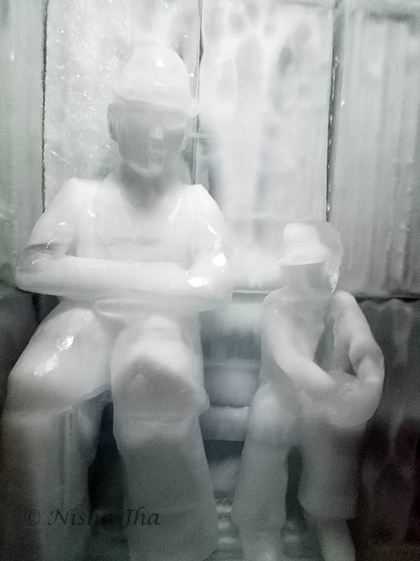 charlie chaplin ice sculpture jungfrau switzerland ©lemonicks.com