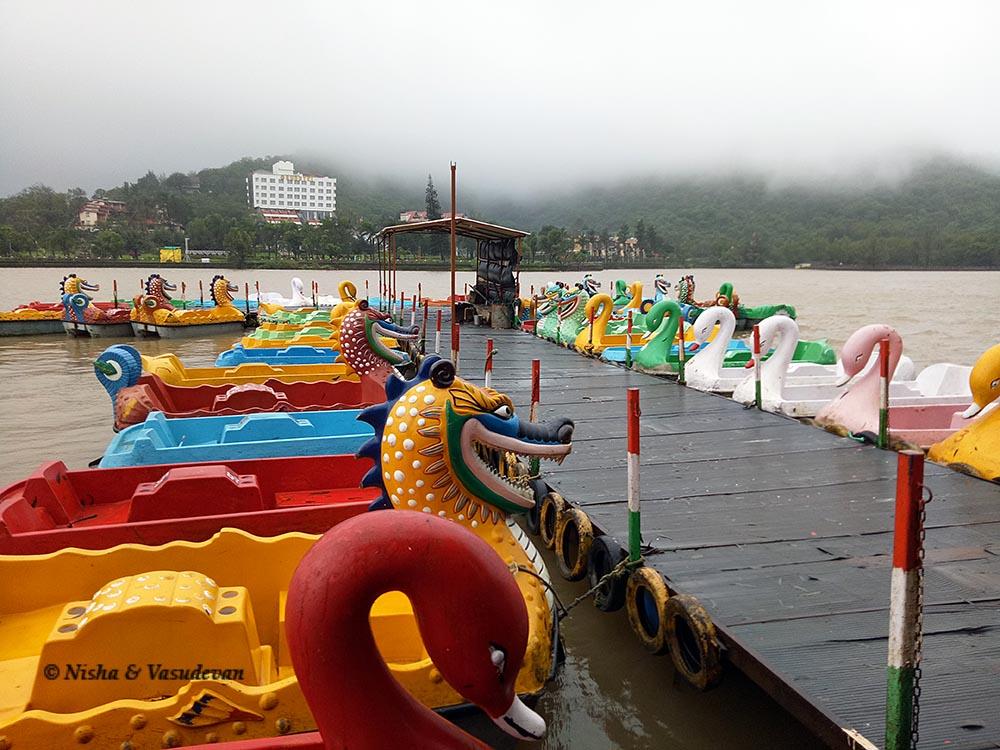 boating in saputara lake @lemonicks.com