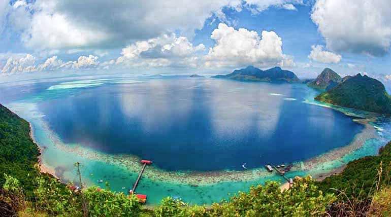 panorama view from bohey dulang sabah