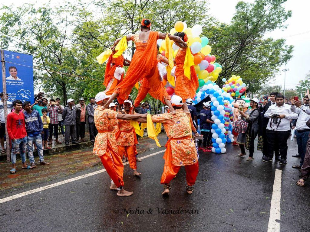 Saputara Monsoon Festival parade