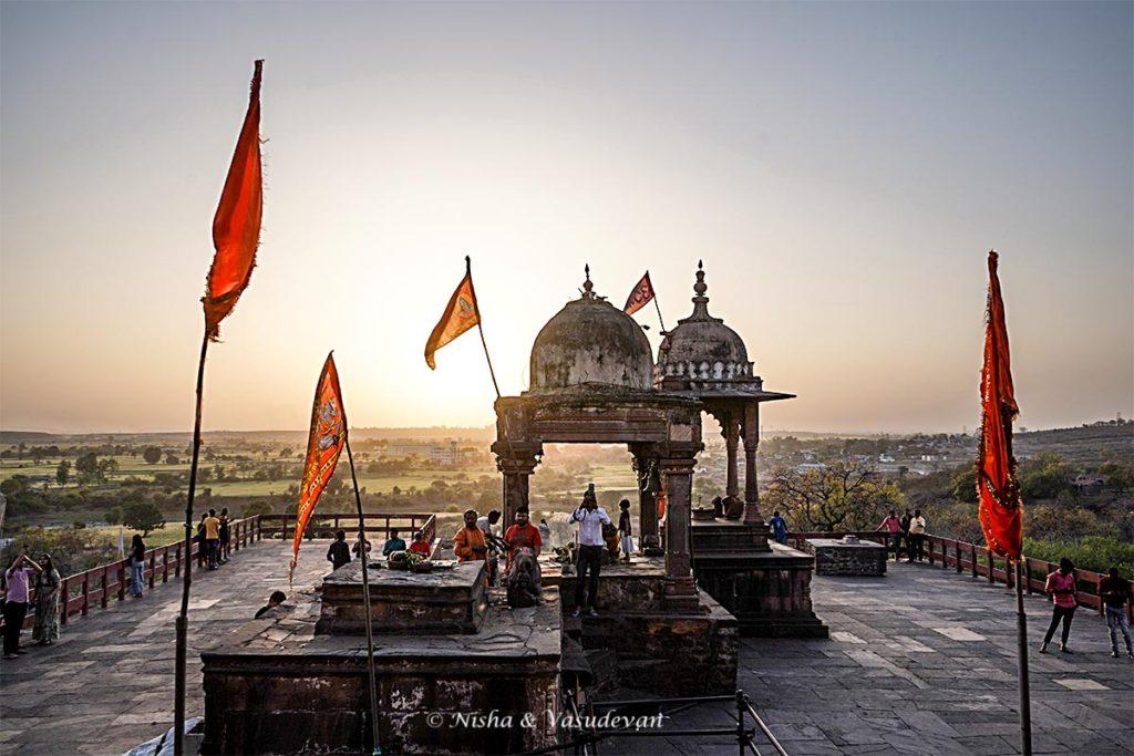 Bhojpur Shiva Mandir, shrines
