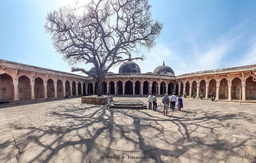 chanderi must see Jama Masjid