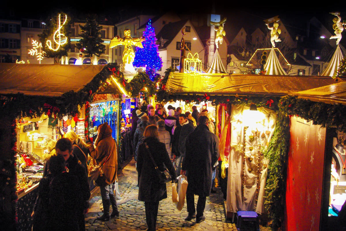 Christmas in Switzerland: Bassel christmas @www.lemonicks.com