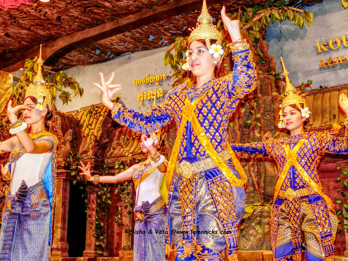 Apsara dance Cambodia @www.lemonicks.com